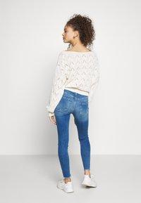 ONLY Petite - ONLBLUSH - Jeans Skinny Fit - medium blue denim - 2