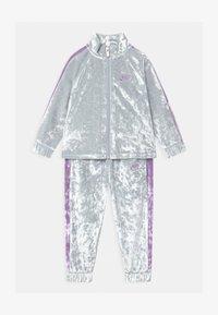Nike Sportswear - CRUSHED TRACK SET - Tracksuit - pure platinum - 0