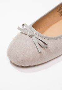 Fitters - HELEN - Baleriny - light grey - 5