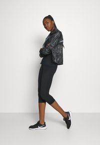 ODLO - CREW NECK PERFORMANCE WARM - Sports shirt - black - 1