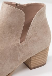 Anna Field - LEATHER CLASSIC ANKLE BOOTS - Støvletter - taupe - 2