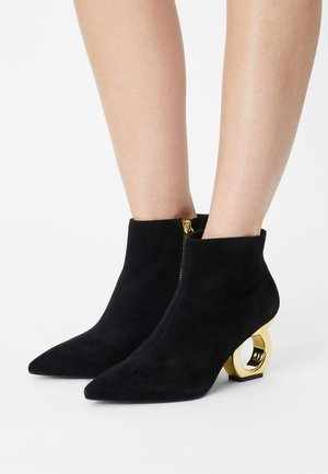 ALBA - Ankle boots - black/gold
