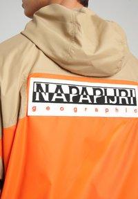 Napapijri - A-KALALAU - Vindjacka - beige - 7