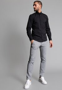 WORMLAND - SLIM FIT  - Formal shirt - schwarz - 1