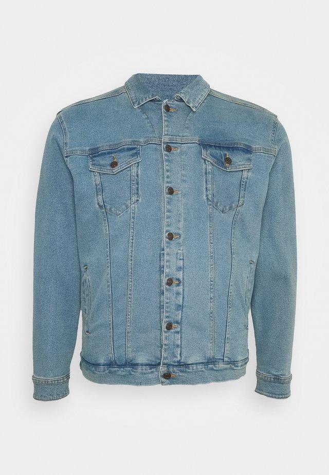 PLUS KASH JACKET - Denim jacket - light blue