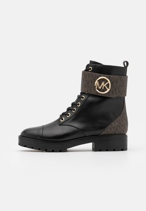 TATUM BOOT - Botines con cordones - brown/black