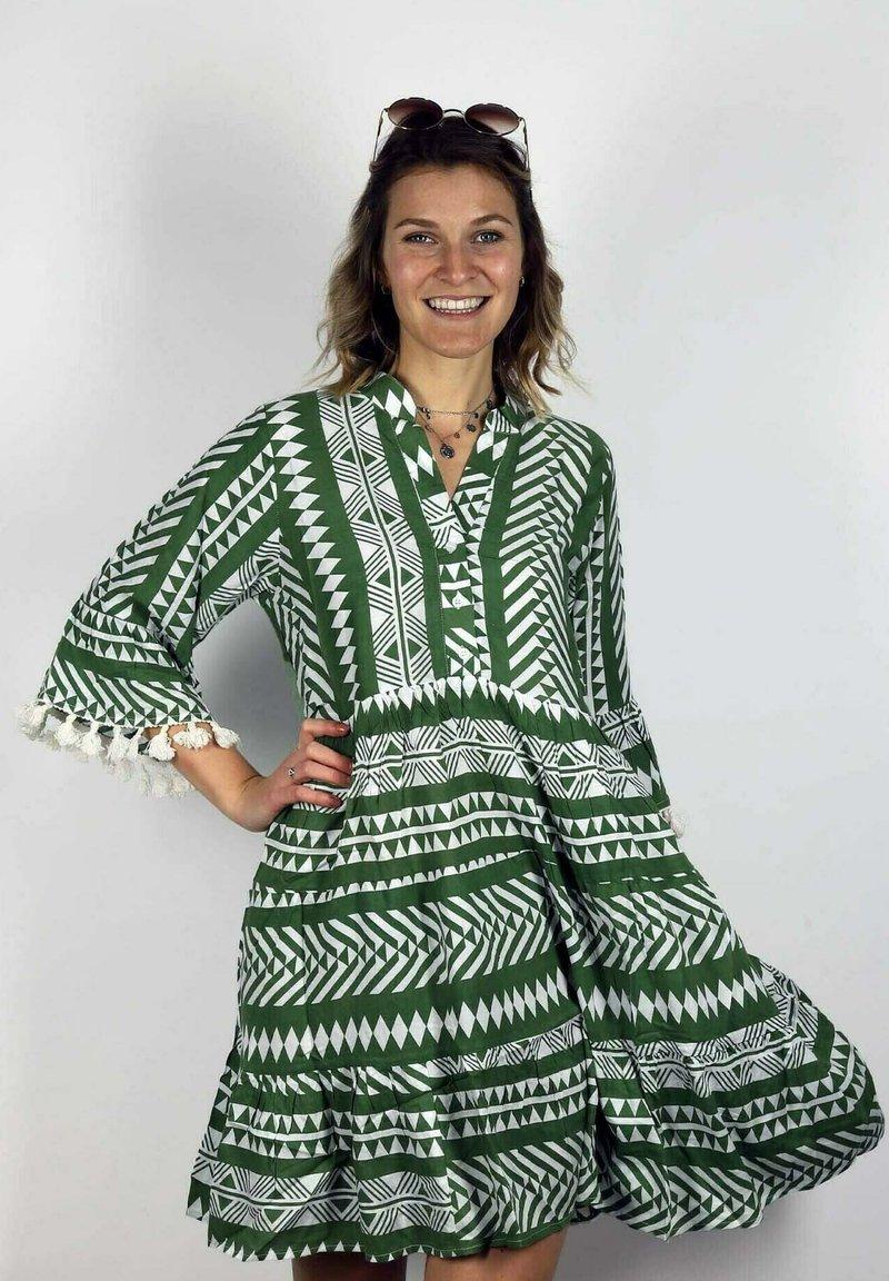 Zwillingsherz - Day dress - khaki