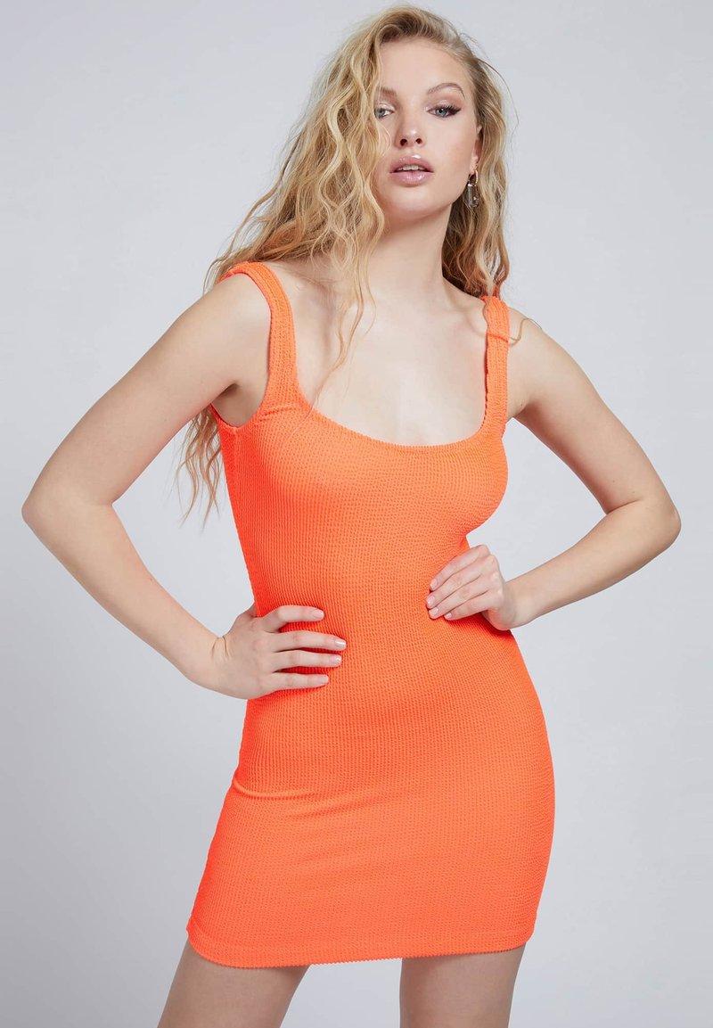 Guess - CRINKLE - Shift dress - orange
