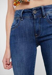 G-Star - LYNN MID SUPER SKINNY  - Jeans Skinny Fit - faded blue - 5