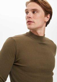 DeFacto - T-shirt à manches longues - khaki - 7