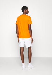 Polo Ralph Lauren - CUSTOM SLIM FIT JERSEY CREWNECK T-SHIRT - Basic T-shirt - sailing orange - 2
