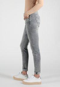 Miracle of Denim - Slim fit jeans - grau - 3