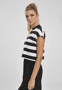 Urban Classics - STRIPE - T-shirt print - black/white - 3