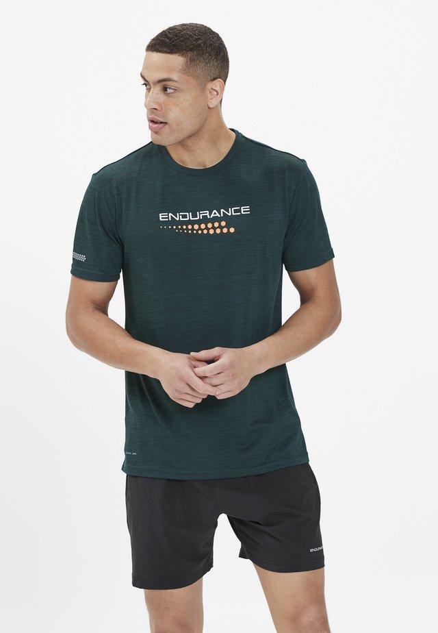 Print T-shirt - ponderosa pine