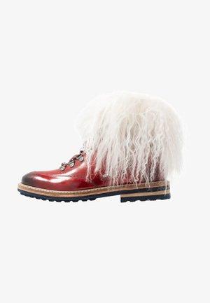 AMELIE - Šněrovací kotníkové boty - ruby