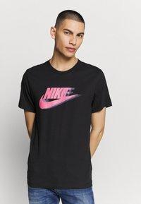 Nike Sportswear - Print T-shirt - black - 0