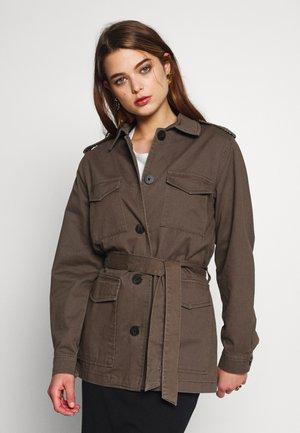 ONLCANDICE UTILITY BELT JACKET - Denim jacket - kalamata