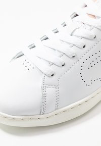 Lacoste - CARNABY EVO LIGHT - Baskets basses - white/natural - 2
