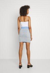 Vila - VICHEKINA SHORT SKIRT - Mini skirt - natural melange/blue - 2