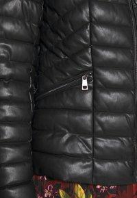 Liu Jo Jeans - IMBOTTITO OVATT CORT - Faux leather jacket - nero - 5