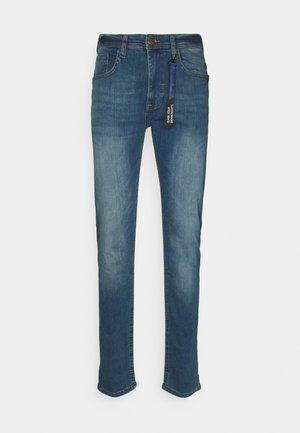 JET FIT MULTIFLEX - Slim fit jeans - denim vintage blue