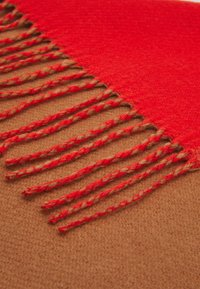 Pieces - PCSIGGE LONG SCARF - Scarf - coral - 2