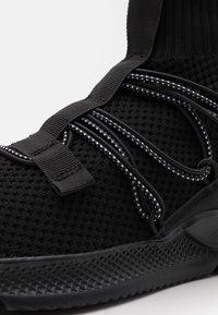 Cotton On - JARROD - Sneakers alte - black - 5
