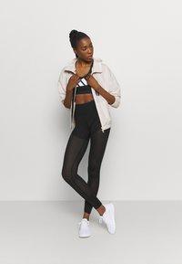 adidas Performance - 3 BAR BRA - Sports-BH-er med medium støtte - black/grey four/white - 1