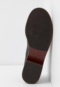 Chie Mihara - XALIS - Šněrovací boty - black - 6
