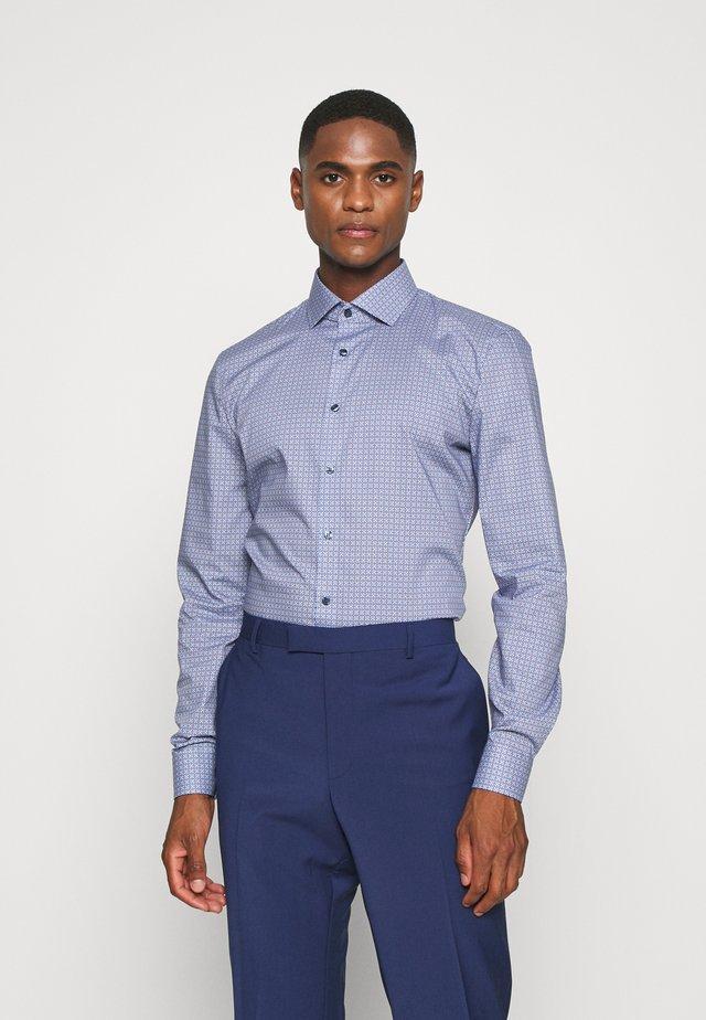 No. 6 - Camicia elegante - dunkelrot