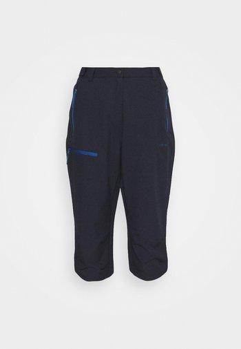 BEATTIE - Pantaloncini 3/4 - dark blue