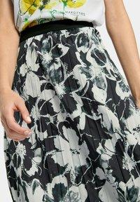 MARGITTES - Pleated skirt - schwarz/weiß - 2