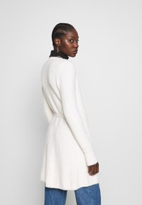 Abercrombie & Fitch - SWEATER DRESS - Chaqueta de punto - cream - 2
