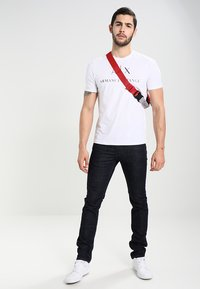 Armani Exchange - Print T-shirt - white - 1