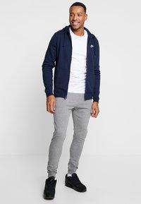 Nike Sportswear - CLUB FULL ZIP HOODIE - Zip-up hoodie - obsidian/white - 1
