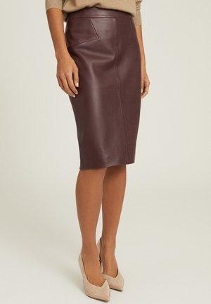 REAGAN - Leather skirt - pink