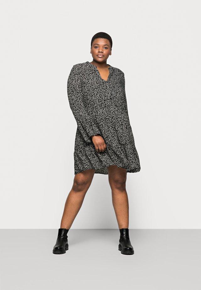 CARLOLLI TUNIC DRESS - Robe d'été - black/cloud dancer