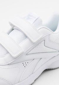 Reebok - WORK N CUSHION 4.0 - Walking trainers - white/grey two - 5