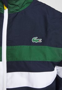 Lacoste Sport - SET - Dres - navy blue/white/green/wasp - 9