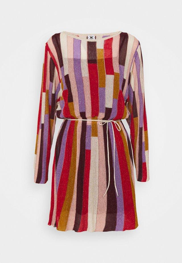 DRESS - Jumper dress - blood/beige/pale pink/mauve