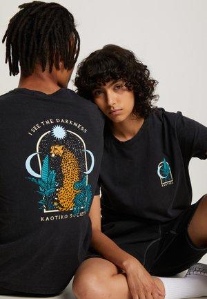 WASHED LEOPARD - T-shirt med print - black