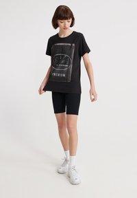 Superdry - SUPERDRY PHOTOGRAPHIC WORKWEAR T-SHIRT - T-shirt print - black - 1