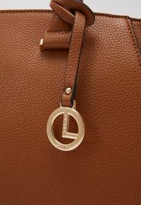 L.CREDI - FELICIA - Handbag - cognac - 2