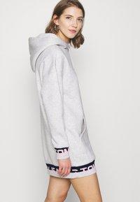 Tommy Jeans - BRANDED - Robe d'été - silver grey - 3