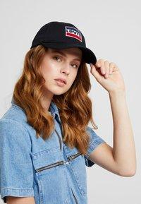 Levi's® - SPORTSWEAR LOGO HAT - Keps - regular black - 4