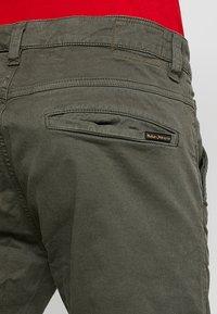 Nudie Jeans - SLIM ADAM - Pantaloni - olive - 5