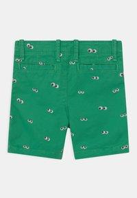 GAP - TODDLER BOY  - Shorts - parrot green - 1