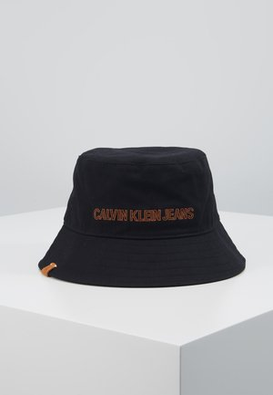 INSTITUTIONAL BUCKET - Hat - black