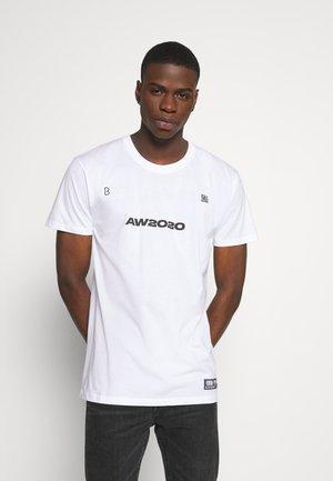 BRICK TEE - T-shirts print - white