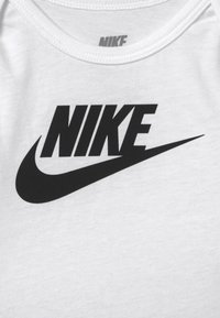 Nike Sportswear - NIKE SET - Muts - grey heather - 4